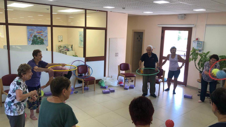 פעילות גופנית בבית החם